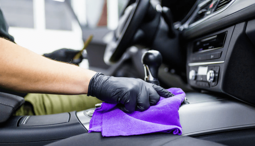 Get a car polishing in dubai at servicemycar